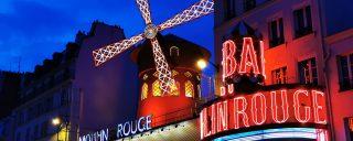 Eu aveam treaba în altă parte, dar cum mă plimbam prin Paris...Moulin Rouge!